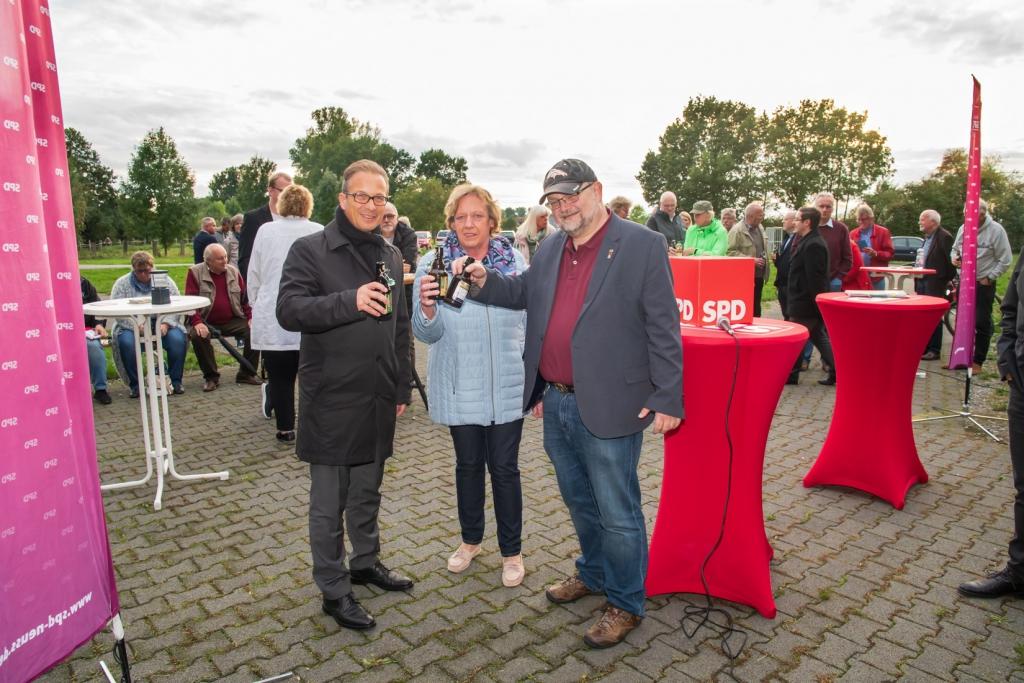 """Reiner Breuer, Cornelia Lampert-Voscht und Ralph-Erich Hildebrandt """"auf ein Bier mit dem Bürgermeister"""""""